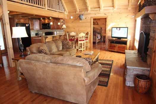 Living Room At Cedar Creeks A 2 Bedroom Cabin Rental Located In Douglas Lake