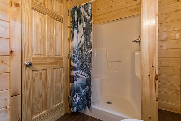 Shower at Splash Mountain Lodge a 4 bedroom cabin rental located in Gatlinburg