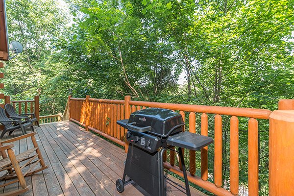 Grill on the deck at My Blue Heaven, a 1 bedroom cabin rental located in Gatlinburg