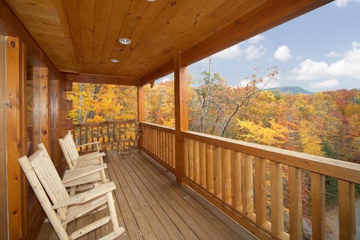 autumn view of the smoky mountains at settlin' inn a 3 bedroom cabin rental located in gatlinburg