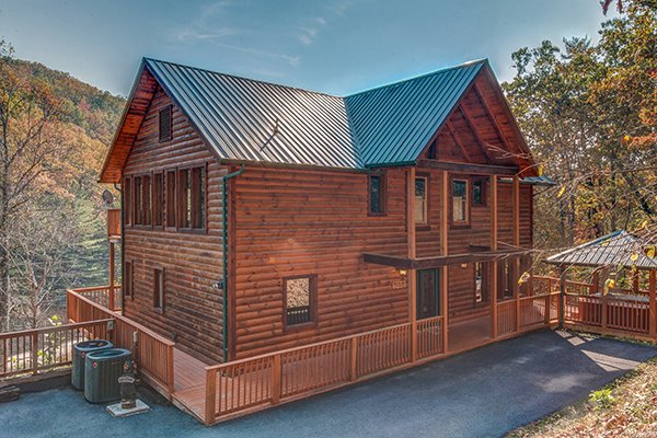 Rocky Top Lodge, a 3 bedroom cabin rental located in Pigeon Forge