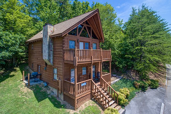 Little Moon, a 1 bedroom cabin rental located in Pigeon Forge