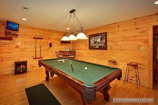 green felted pool table in game room at bear creek a 4 bedroom cabin rental located in pigeon forge