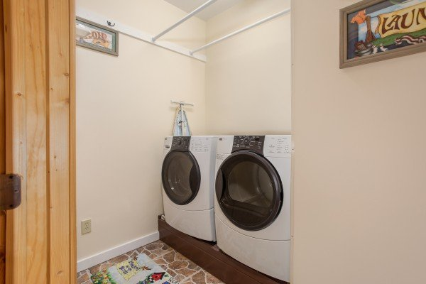 Laundry room at Great View Lodge, a 5-bedroom cabin rental located in Pigeon Forge
