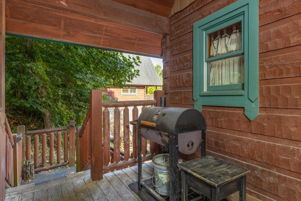 Charcoal grill at A Beary Nice Cabin, a 2 bedroom cabin rental located in Pigeon Forge