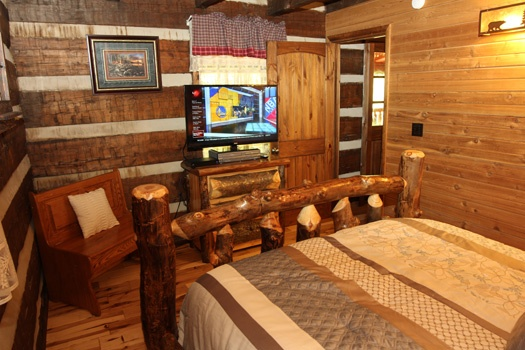 at cubs den a 3 bedroom cabin rental located in gatlinburg