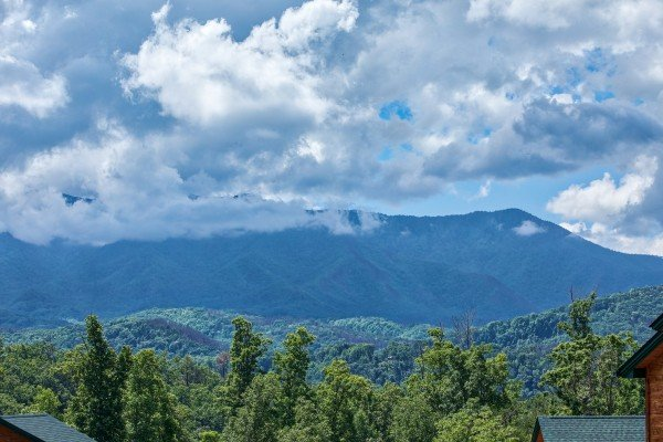 LeConte Views at Heaven's Dew, a 1-bedroom cabin rental located in Gatlinburg