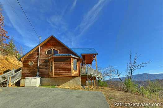 Flat paved parking area at about time a 2 bedroom cabin rental located in pigeon forge