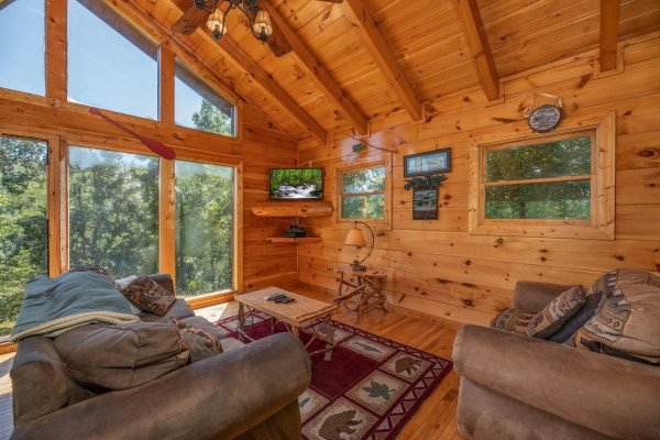 Upper living room at The Great Outdoors, a 3 bedroom cabin rental located in Pigeon Forge