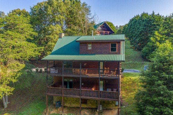Family Getaway, a 4 bedroom cabin rental located in Pigeon Forge