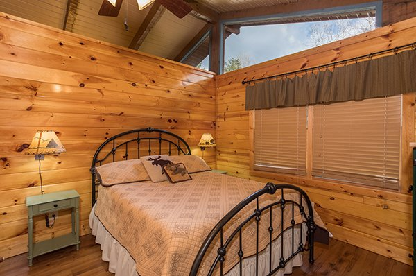 Queen bedroom at Rustic Ranch, a 2 bedroom cabin rental located in Pigeon Forge