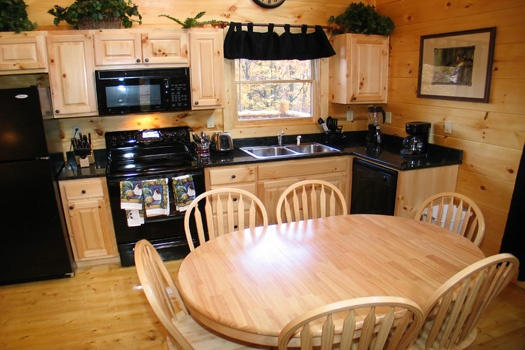 dining table for six at dragonfly a 2 bedroom cabin rental located in gatlinburg