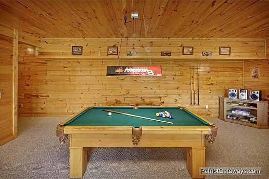 game room with pool table at winter wonderland a 3 bedroom cabin rental located in pigeon forge