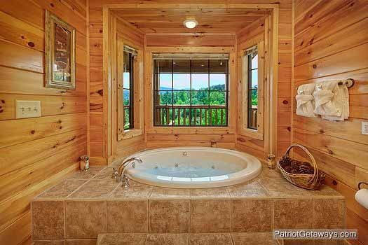 master bath jacuzzi at winter wonderland a 3 bedroom cabin rental located in pigeon forge