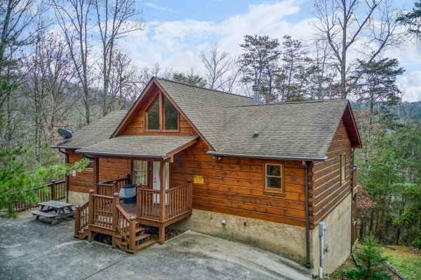 Wildlife Retreat, a 3-bedroom cabin rental located in Pigeon Forge
