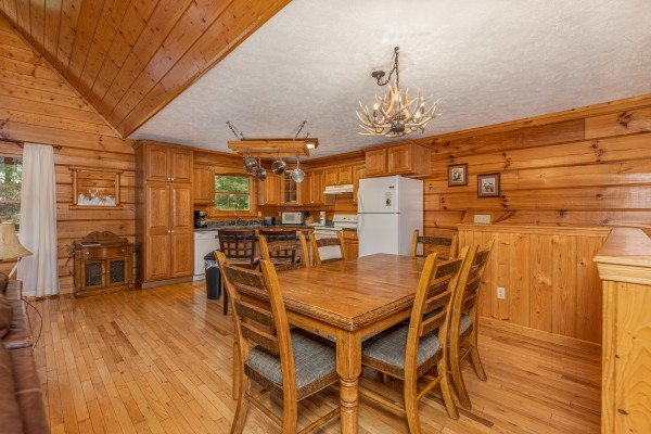 Dining space with seating for six at Wildlife Retreat, a 3 bedroom cabin rental located in Pigeon Forge