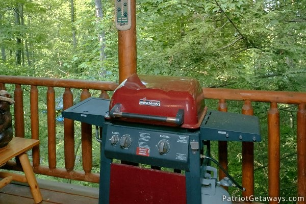 Gas grill on the back deck at A Bear's View, a 1 bedroom cabin rental located in Gatlinburg