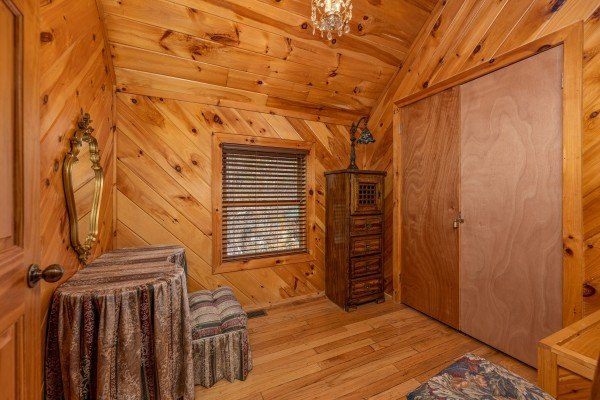 Dressing area off the loft bedroom at Hatcher Mountain Retreat a 2 bedroom cabin rental located in Pigeon Forge