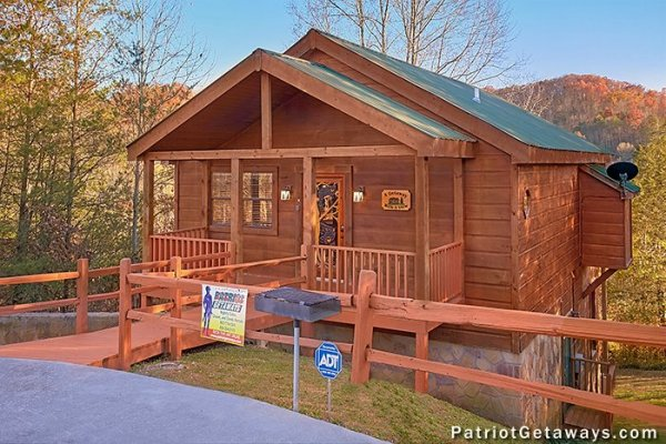 Exterior of the cabin with parking at A Getaway with a View, a 2 bedroom cabin rental located in Pigeon Forge