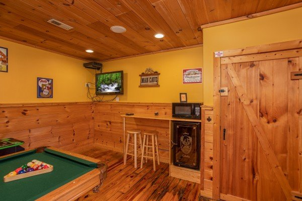 Snack bar in the game room at A Getaway with a View, a 2 bedroom cabin rental located in Pigeon Forge