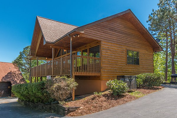 Looking at Ridge View, a 1 bedroom cabin rental located in Pigeon Forge