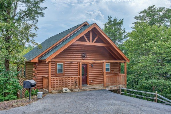 Flat parking at Bear Essence, a 2-bedroom cabin rental located in Pigeon Forge