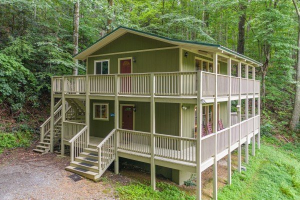 License to Chill, a 3 bedroom cabin rental located in Gatlinburg