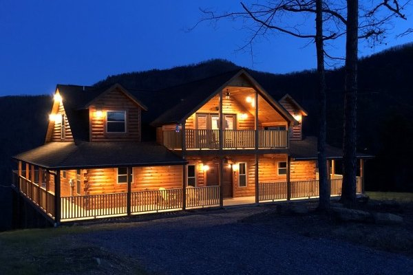 at gonzo's outpost a 3 bedroom cabin rental located in pigeon forge