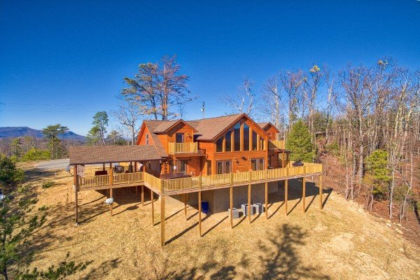 Gonzo's Outpost, a 3-bedroom cabin rental located in Pigeon Forge