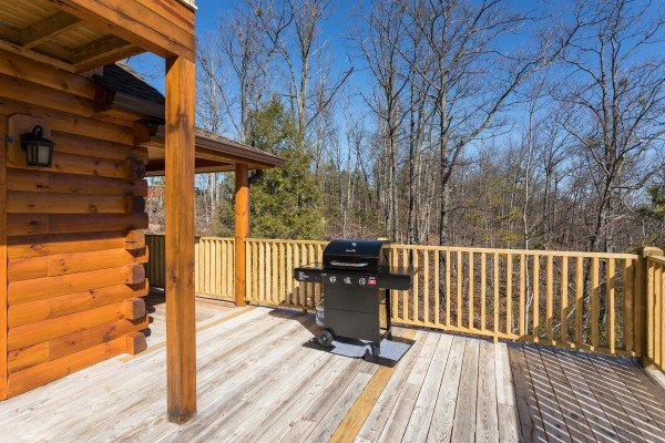 Propane grill on the deck at Gonzo's Outpost, a 3-bedroom cabin rental located in Pigeon Forge
