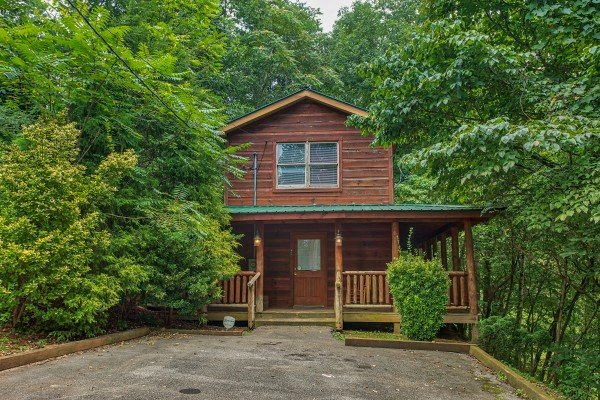 Front exterior and flat parking at Fishing Bears, a 1-bedroom cabin rental located in Gatlinburg