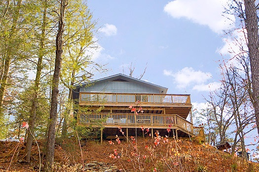 view of the decks at astonishing views a 2 bedroom cabin rental located in gatlinburg