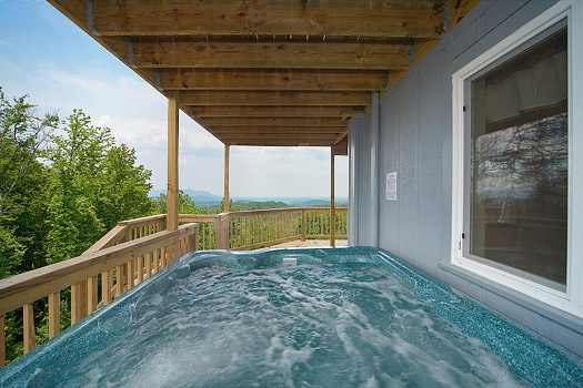 hot tub on deck at astonishing views a 2 bedroom cabin rental located in gatlinburg