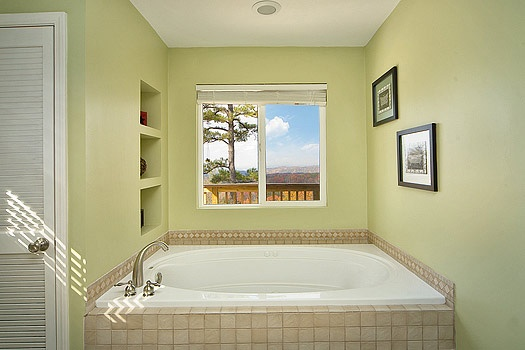 jacuzzi tub in master bathroom at astonishing views a 2 bedroom cabin rental located in gatlinburg