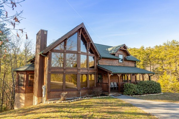 King of the Mountain, a 3 bedroom cabin rental located in Pigeon Forge