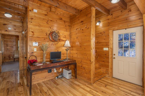 Entryway at King of the Mountain, a 3 bedroom cabin rental located in Pigeon Forge