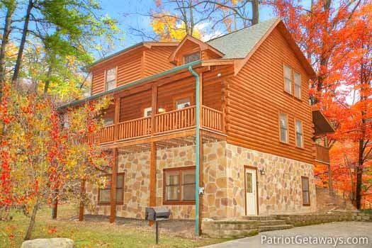 Three Levels Of Log Home Called Black Bear Lodge A 5 Bedroom Cabin Rental  Located In