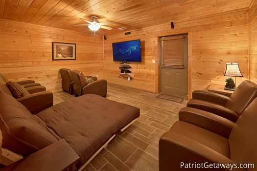 home theater at black bear lodge a 5 bedroom cabin rental located in pigeon forge