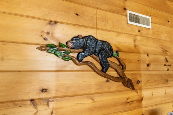Bear carving at Smoky Mountain High, a 1 bedroom cabin rental located in Pigeon Forge