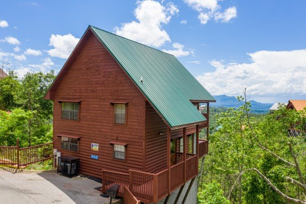 Smoky Mountain High, a 1 bedroom cabin rental located in Pigeon Forge