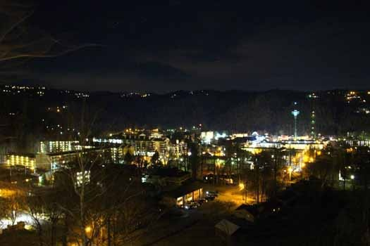 night lights of gatlinburg at night lights lodge a 7 bedroom cabin rental located in gatlinburg