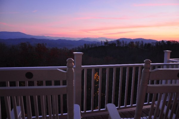 Sunset at Summit Glory, a 5 bedroom cabin rental located in Pigeon Forge