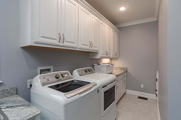 Laundry room at Summit Glory, a 5 bedroom cabin rental located in Pigeon Forge
