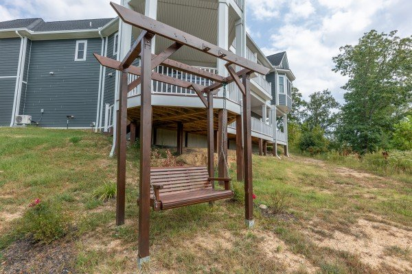 Yard swing at Summit Glory, a 5 bedroom cabin rental located in Pigeon Forge