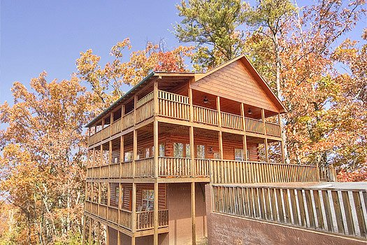 Hickernut Lodge, a 5-bedroom cabin rental located in Pigeon Forge