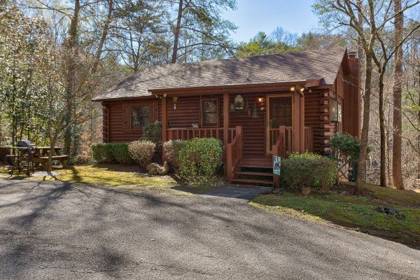 Snuggle Inn, a 2 bedroom cabin rental located in Pigeon Forge