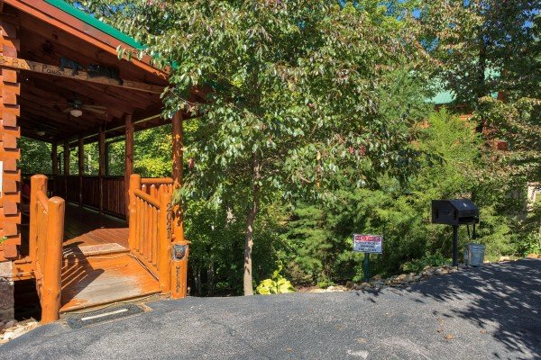 Entry with a charcoal grill at Bearfoot Paradise, a 3-bedroom cabin rental located in Pigeon Forge