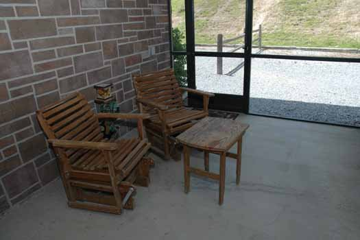 Screened porch at Heaven Sent, a 2-bedroom cabin rental located in Pigeon Forge
