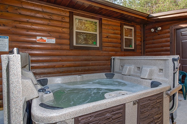 Hot tub at Rustic Romance, a 2 bedroom cabin rental located in Pigeon Forge