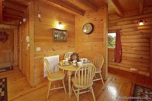 dining area at swept away a 1 bedroom cabin rental located in pigeon forge